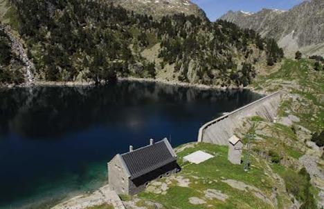 Estudi d'un refugi d'alta muntanya per la reducció del consum energètic